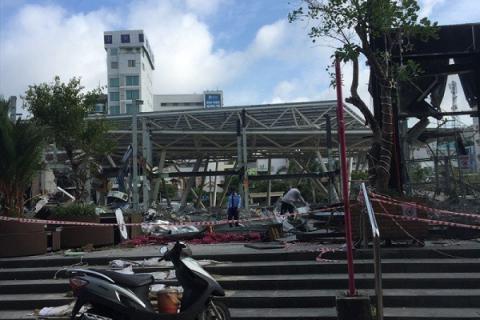 TP.HCM: Tháo dỡ nhiều công trình trong công viên 23/9