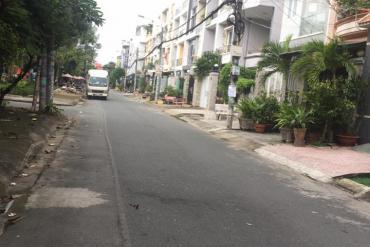 Bán đất MT đường Số 30, P. Bình Trị Đông B, 4.5 x 20m, giá 7.6 tỷ. khu Tên Lửa